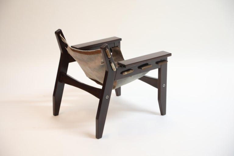 Late 20th Century Sergio Rodrigues 'Kilin' Lounge Chair in Rosewood and Cowhide, OCA, Brazil 1970s For Sale