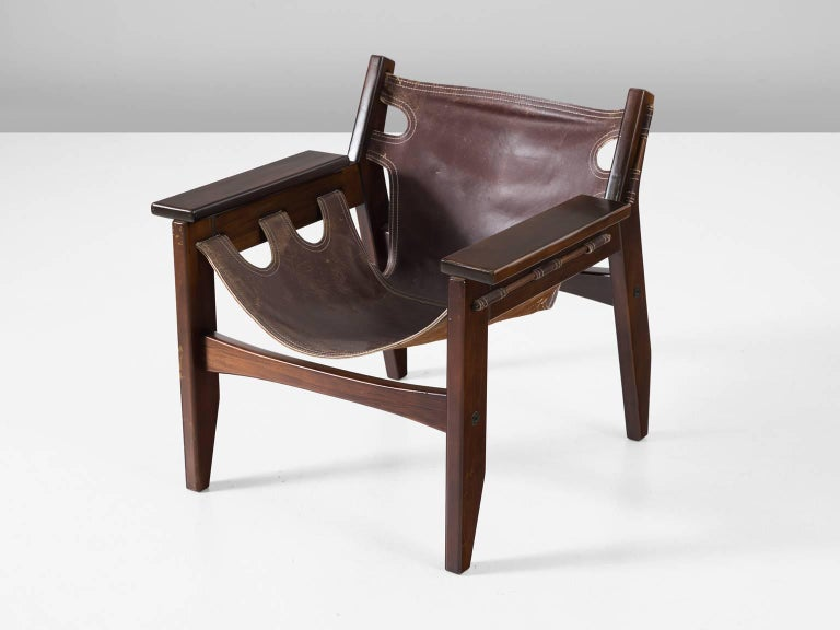 Sergio Rodrigues 'Kilin' Lounge Chair in Rosewood and Leather In Excellent Condition For Sale In Waalwijk, NL