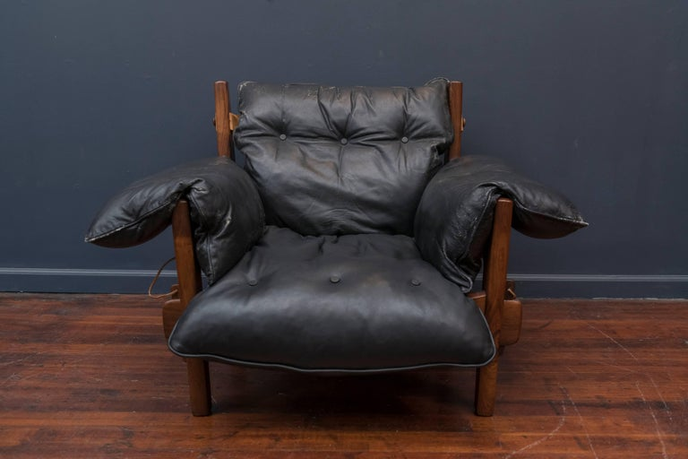 Mid-Century Modern Sergio Rodrigues Mischievous Chair and Ottoman For Sale