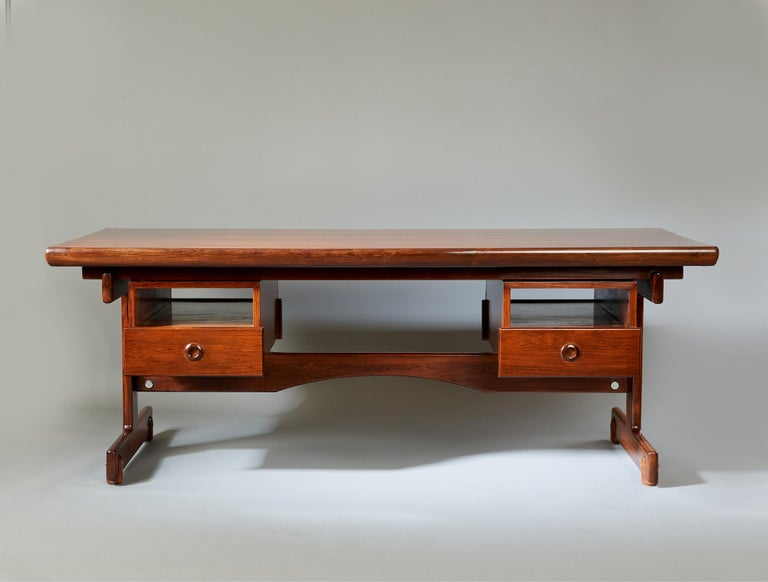 Sergio Rodrigues, Stunning and Monumental Modernist Jacaranda Desk, Brazil, 1962 In Good Condition For Sale In New York, NY