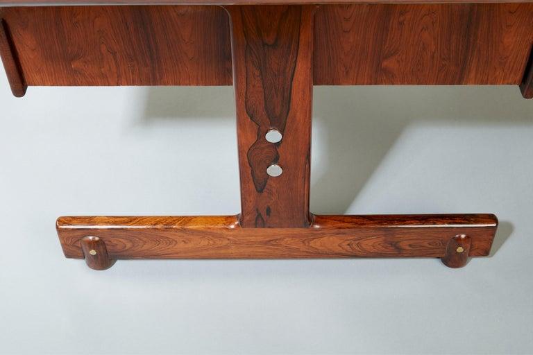 Sergio Rodrigues, Stunning and Monumental Modernist Jacaranda Desk, Brazil, 1962 For Sale 8