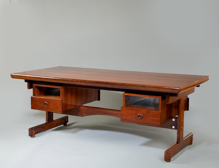 Mid-Century Modern Sergio Rodrigues, Stunning and Monumental Modernist Jacaranda Desk, Brazil, 1962 For Sale