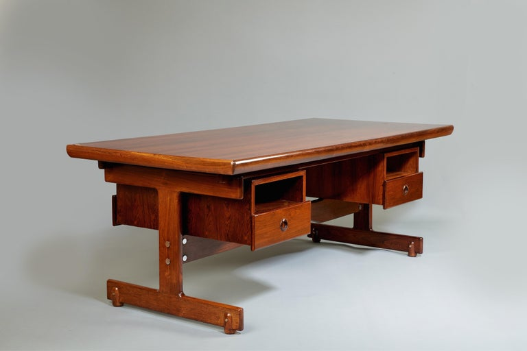 Steel Sergio Rodrigues, Stunning and Monumental Modernist Jacaranda Desk, Brazil, 1962 For Sale
