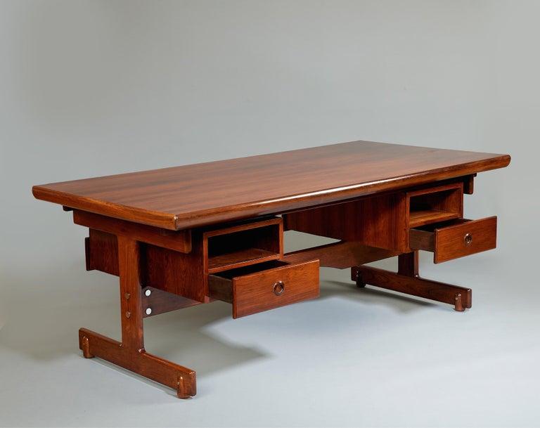 Sergio Rodrigues, Stunning and Monumental Modernist Jacaranda Desk, Brazil, 1962 For Sale 1