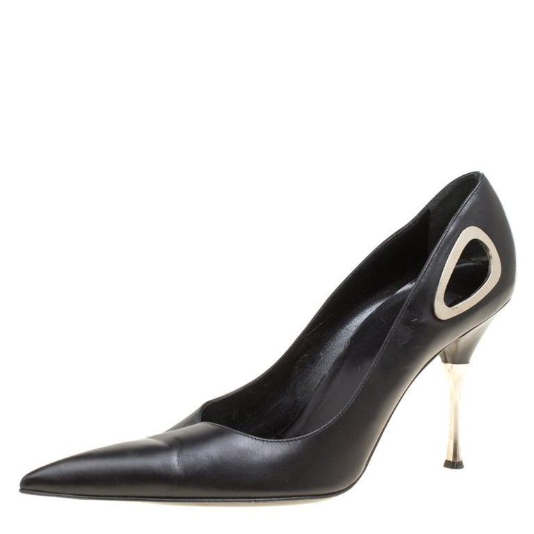 9336438172 Sergio Rossi Black Leather Pointed Toe Pumps Size 40 For Sale at 1stdibs