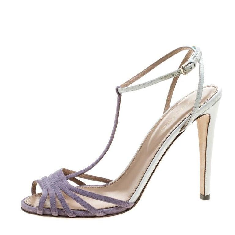 Sergio Rossi Purple/White Suede and Leather T-Strap Sandals Size 38.5 In New Condition For Sale In Dubai, Al Qouz 2
