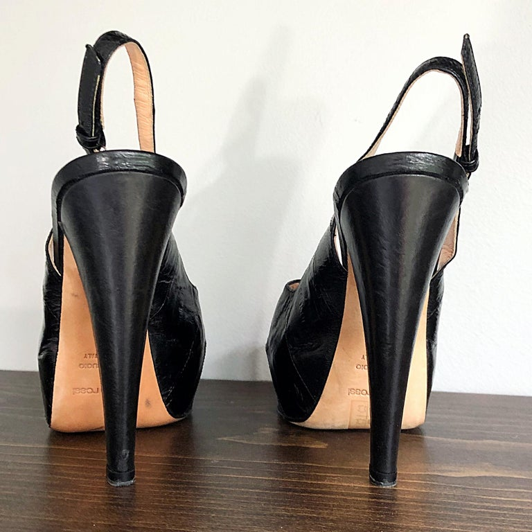 Sergio Rossi Size 36 / 6 Eel Skin Black Platform Peep Toe Sling Back High Heels In Excellent Condition For Sale In Chicago, IL