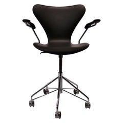 Series Seven Office Chair, Model 3217 by Arne Jacobsen and Fritz Hansen, 2012