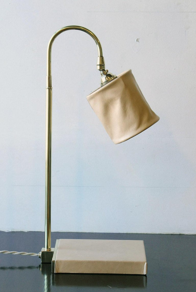 Series01 Desk Lamp, Hand-Dyed Ash 'Gray' Leather, Dark Patinated Brass For Sale 3