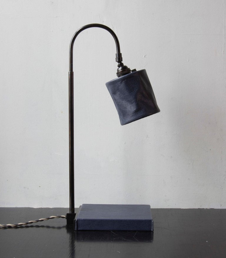 Series01 Desk Lamp, Hand-Dyed Ash 'Gray' Leather, Dark Patinated Brass For Sale 5