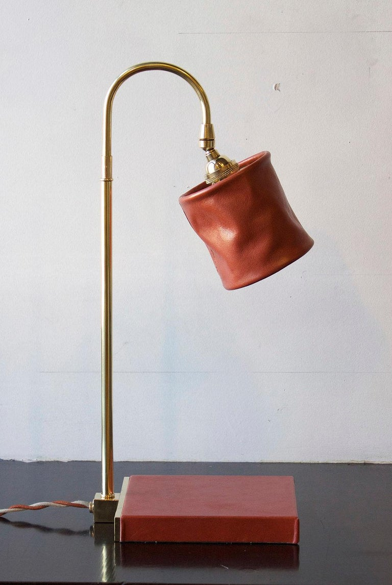 Series01 Desk Lamp, Hand-Dyed Ash 'Gray' Leather, Dark Patinated Brass For Sale 1