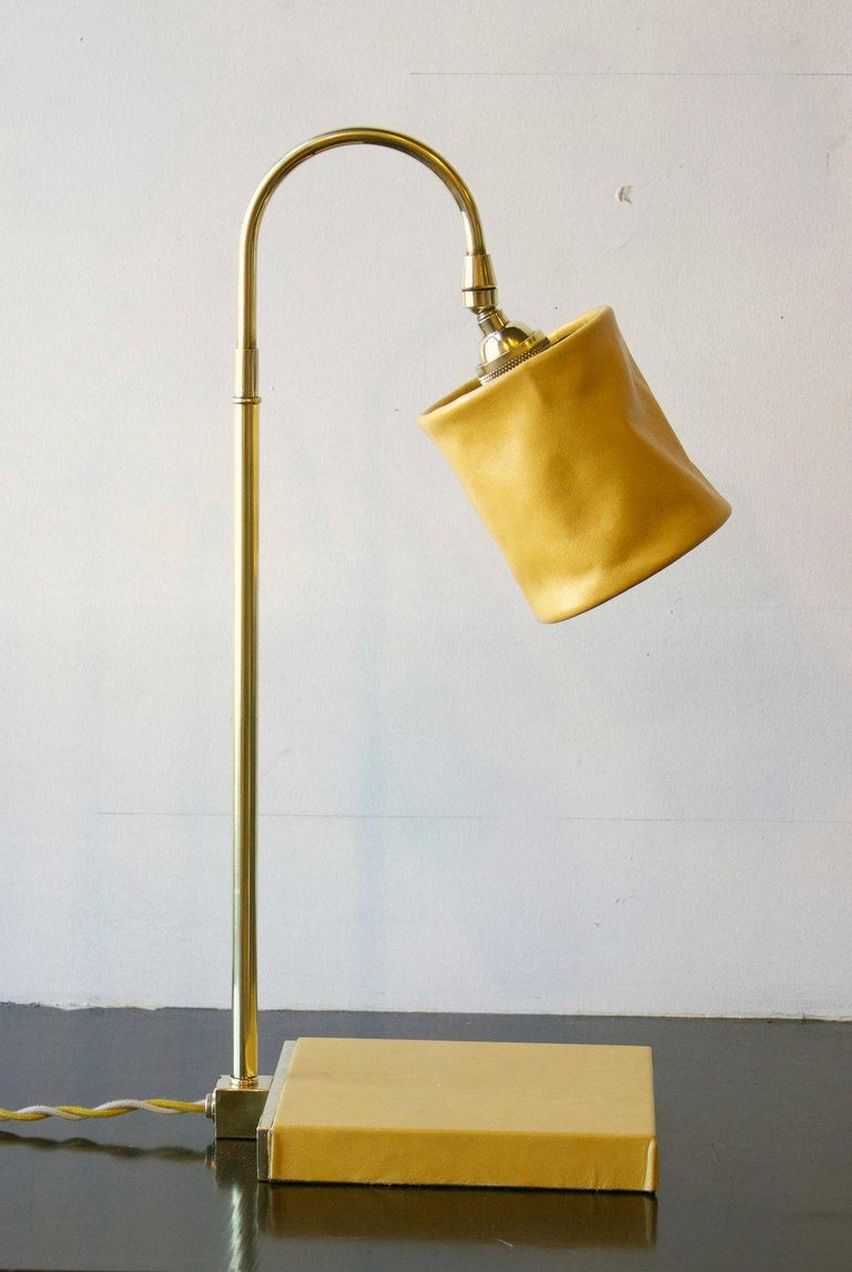 Series01 Desk Lamp, Hand-Dyed Ash 'Gray' Leather, Dark Patinated Brass For Sale 2