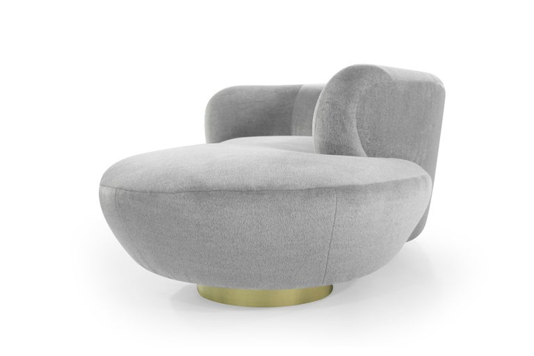 Serpentine Sofa by Vladimir Kagan in Grey Royal Alpaca In Excellent Condition In Stamford, CT