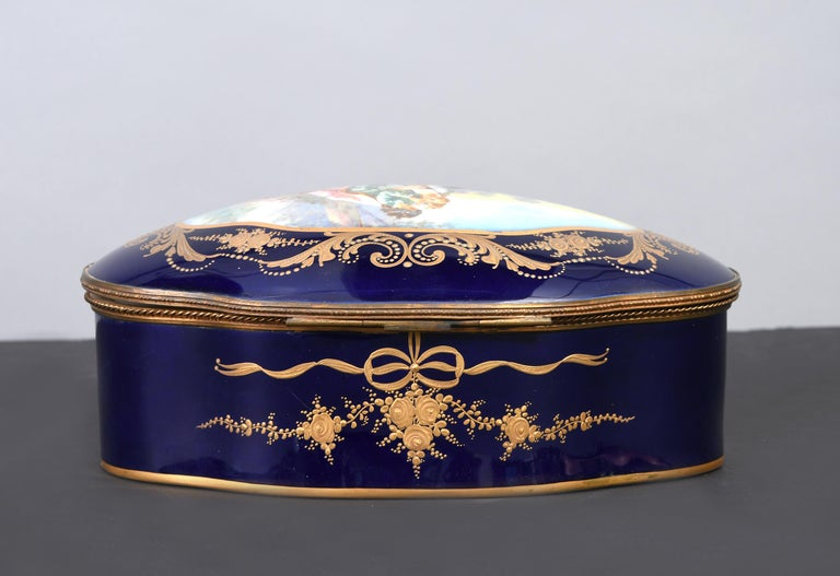 Hand-Painted Sevres Style Serpentine Oval Shaped Porcelain Vanity Box For Sale