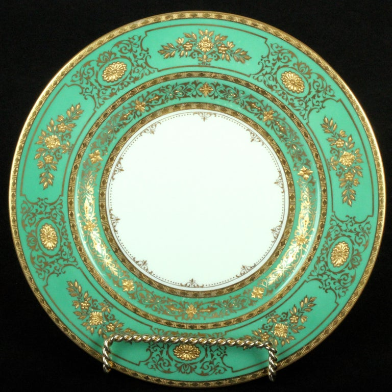 Service for 18 of Minton for Tiffany, Green and Gold In Good Condition For Sale In New York, NY