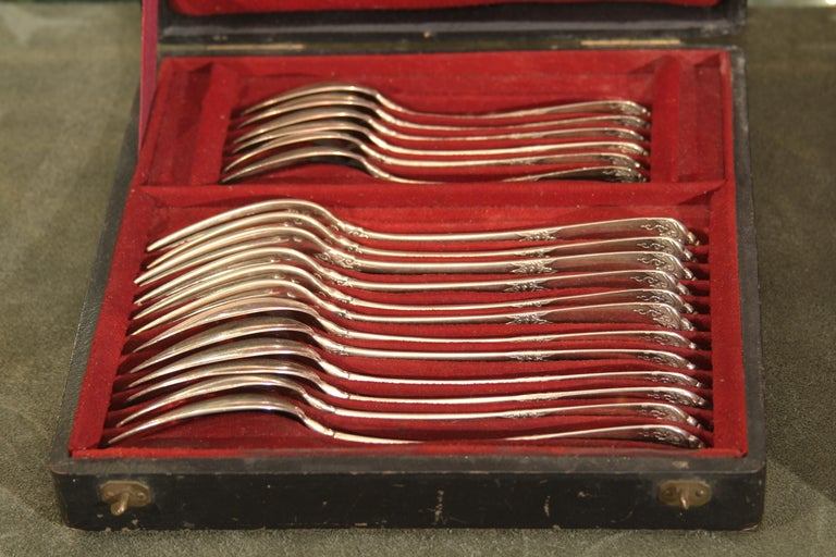 French Service for Twelve Custom Sterling Flatware by Parisian Jeweler Fontana Freres For Sale