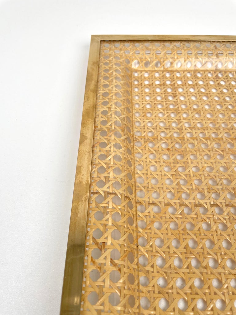 Serving Tray Centrepiece Christian Dior Home Brass Lucite and Wicker, 1970s 5