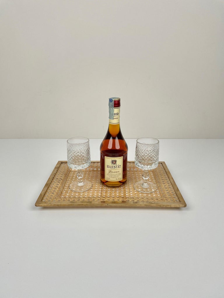 Serving Tray Centrepiece Christian Dior Home Brass Lucite and Wicker, 1970s 2