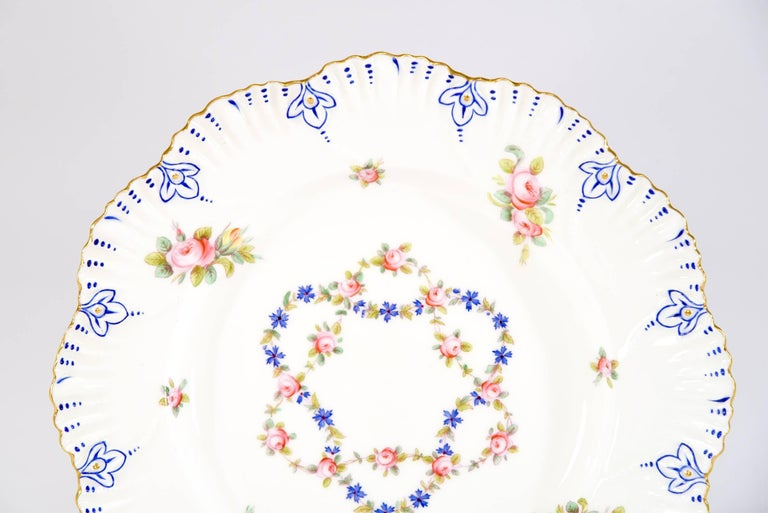 Hand-Painted Set of 12 Coalport White Shaped Rim Dinner Plates with Handpainted Roses For Sale