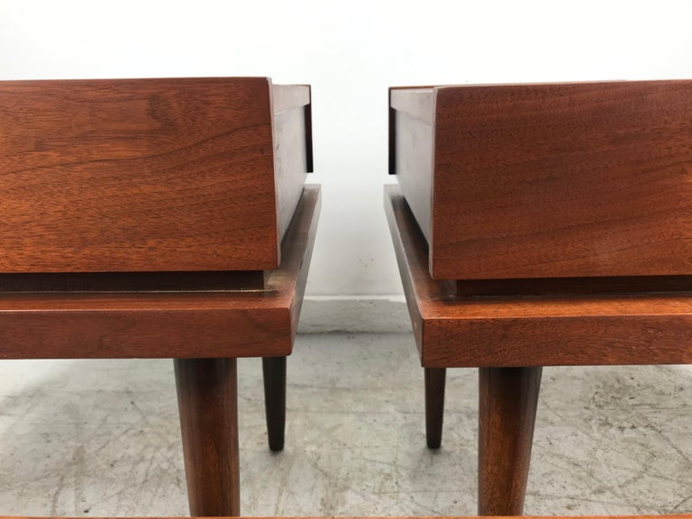 Set 3 of Vintage American of Martinsville Tables with Aluminum Inlays For Sale 3
