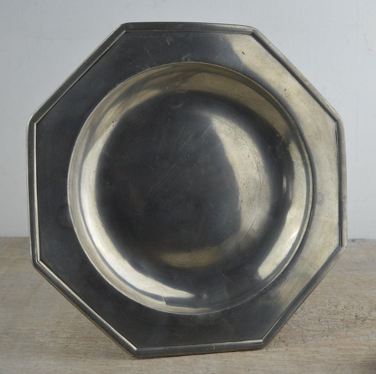 Set 4 Antique Octagonal Polished Pewter Plates, English, 18th Century In Good Condition In St Annes, Lancashire
