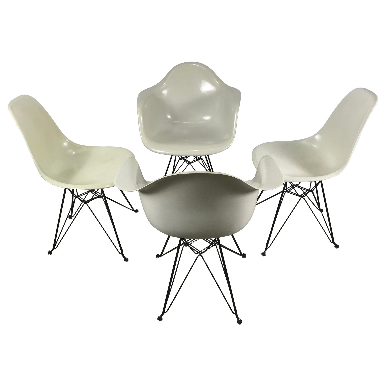 Set 4 Charles Eames, Herman Miller Fiberglass Chairs, Eiffel Tower Bases