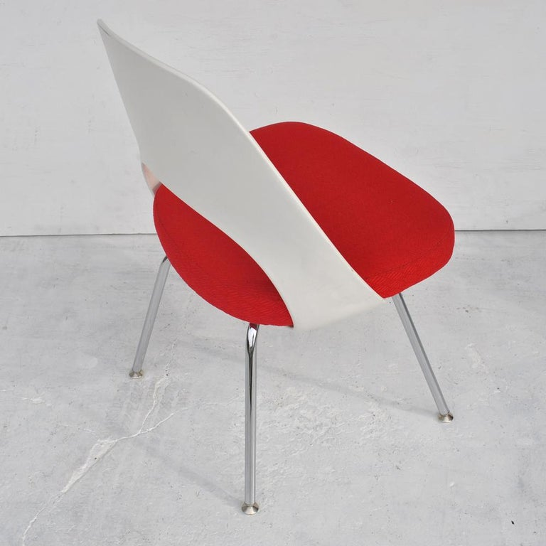 Knoll  Eero Saarinen  Saarinen began his career as a student at Yale University and after travels and studies in Europe returned to the U.S. and taught for a brief period at Cranbrook. Cranbrook was founded by publisher George C. Booth and Eliel