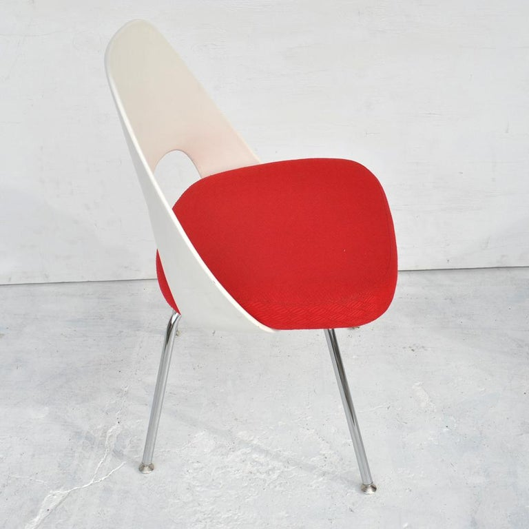 American Set of Four Contemporary Knoll Eero Saarinen 72C-PC Dining Side Chairs For Sale