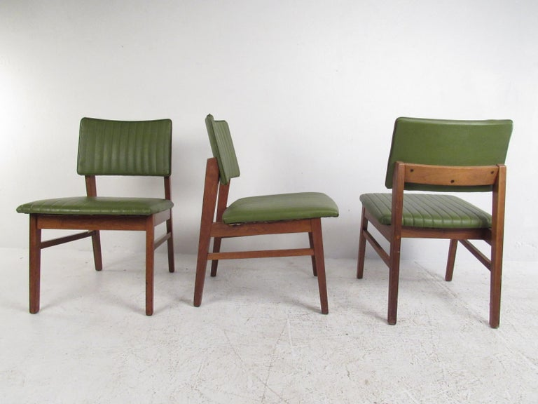 Mid-Century Modern Set of 4 Midcentury Dining Chairs by B.L. Marble Furniture Co. For Sale