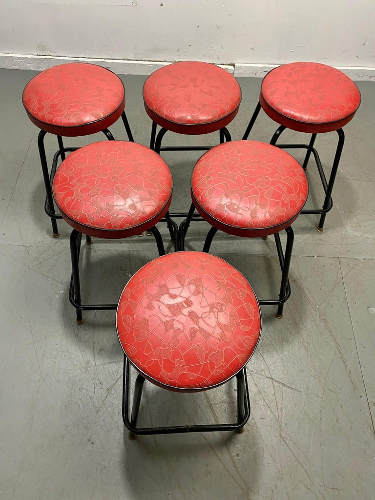 Set 6 Classic Mid Century Modern Stools,,Raymond Loewy Boomerang Tops  In Good Condition For Sale In Buffalo, NY