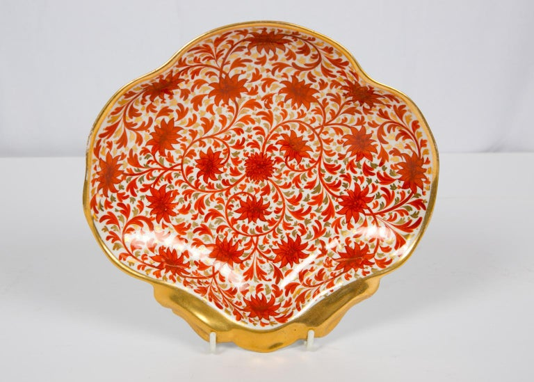 Set of Antique Porcelain Dishes in Coalport's Red Chrysanthemum Pattern For Sale 3