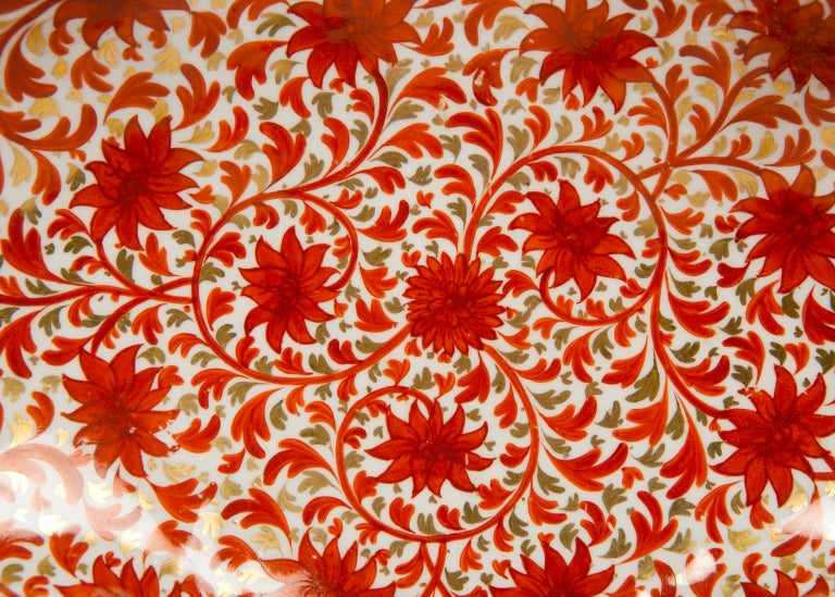 Hand-Painted Set of Antique Porcelain Dishes in Coalport's Red Chrysanthemum Pattern For Sale