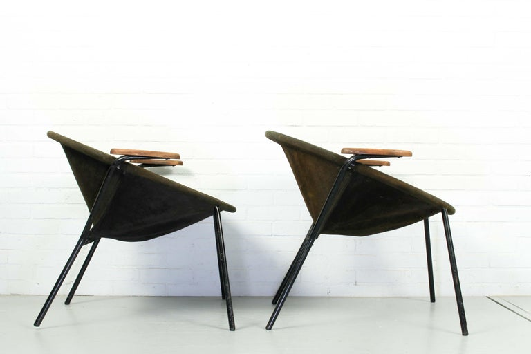 Set of 2 'Balloon' chair designed by Hans Olsen. Black metal frame with seat in suede leather. Armrests in teak. The seats have patina and some stains as shown in the pictures.