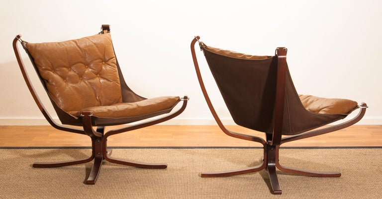 Set Camel Leather 'Falcon' Lounge Chairs And Coffee Table