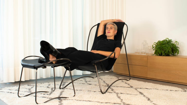 Contemporary Set Chaise Longue and Footstool, Black Smoke Steel and Natural Tobacco Leather For Sale