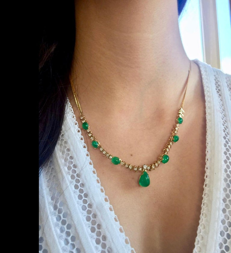 Women's Suite Colombian Emerald Diamond Necklace and Earrings 16.7 Carat For Sale