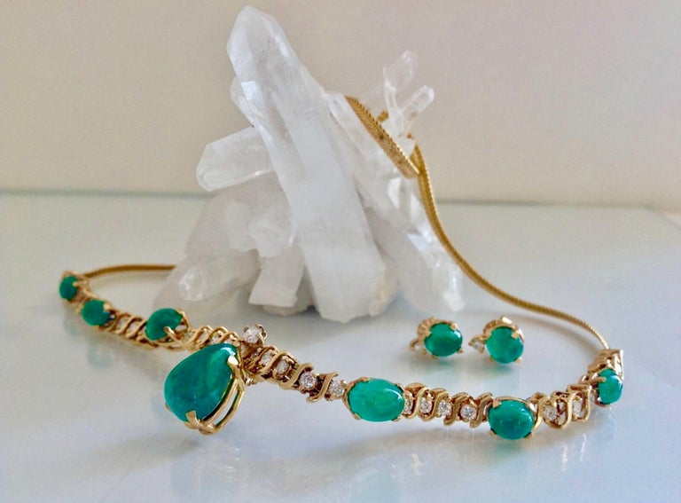Suite Colombian Emerald Diamond Necklace and Earrings 16.7 Carat For Sale 1