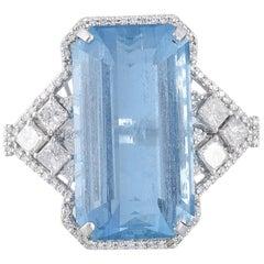 Set in 18 Karat, Art Deco Style Aquamarine and Princess Diamonds Cocktail Ring