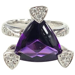 18 Karat Gold Amethyst Ring with Diamonds