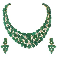 Set in 18 Karat Gold, Carved Zambian Emeralds and Yellow Diamonds Necklace Set