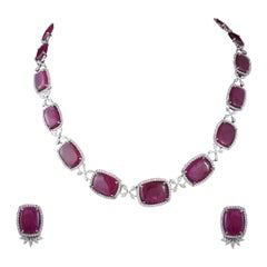 Set in 18 Karat Gold, Natural Mozambique Ruby and Marquise Diamonds Necklace Set