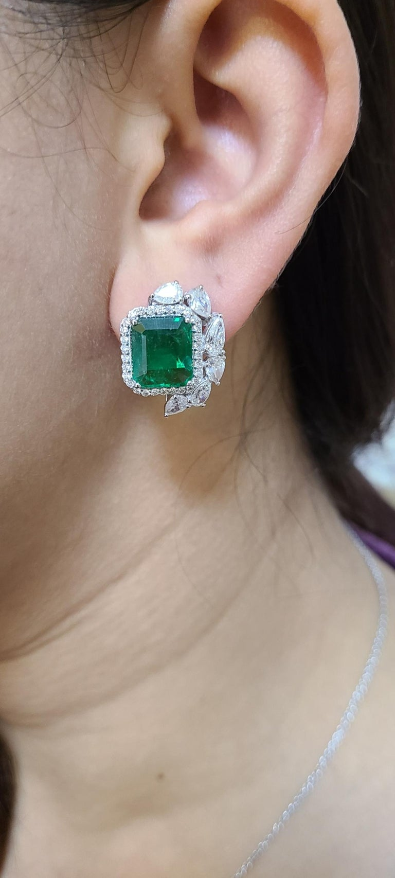 18 Karat White Gold Natural Zambian Emeralds Studs with Diamonds For Sale 1