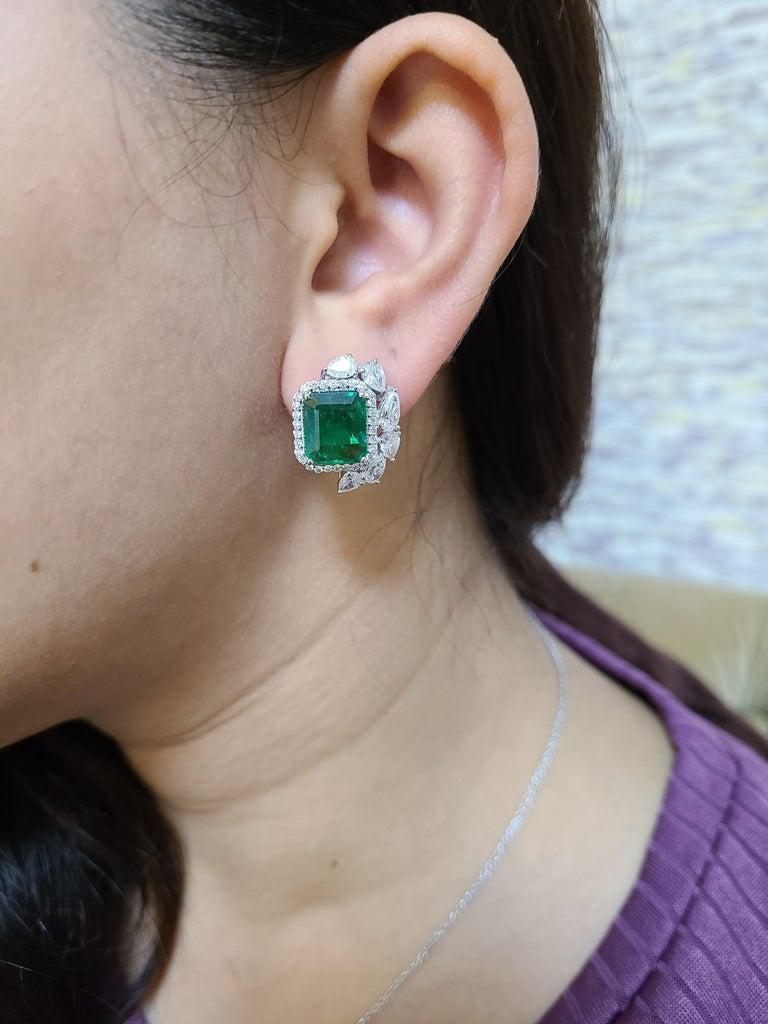 18 Karat White Gold Natural Zambian Emeralds Studs with Diamonds For Sale 2