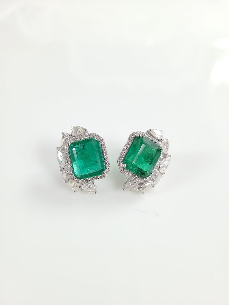 18 Karat White Gold Natural Zambian Emeralds Studs with Diamonds For Sale 3