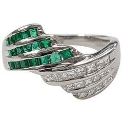 Platinum PT 900 Emerald Ring with Diamonds
