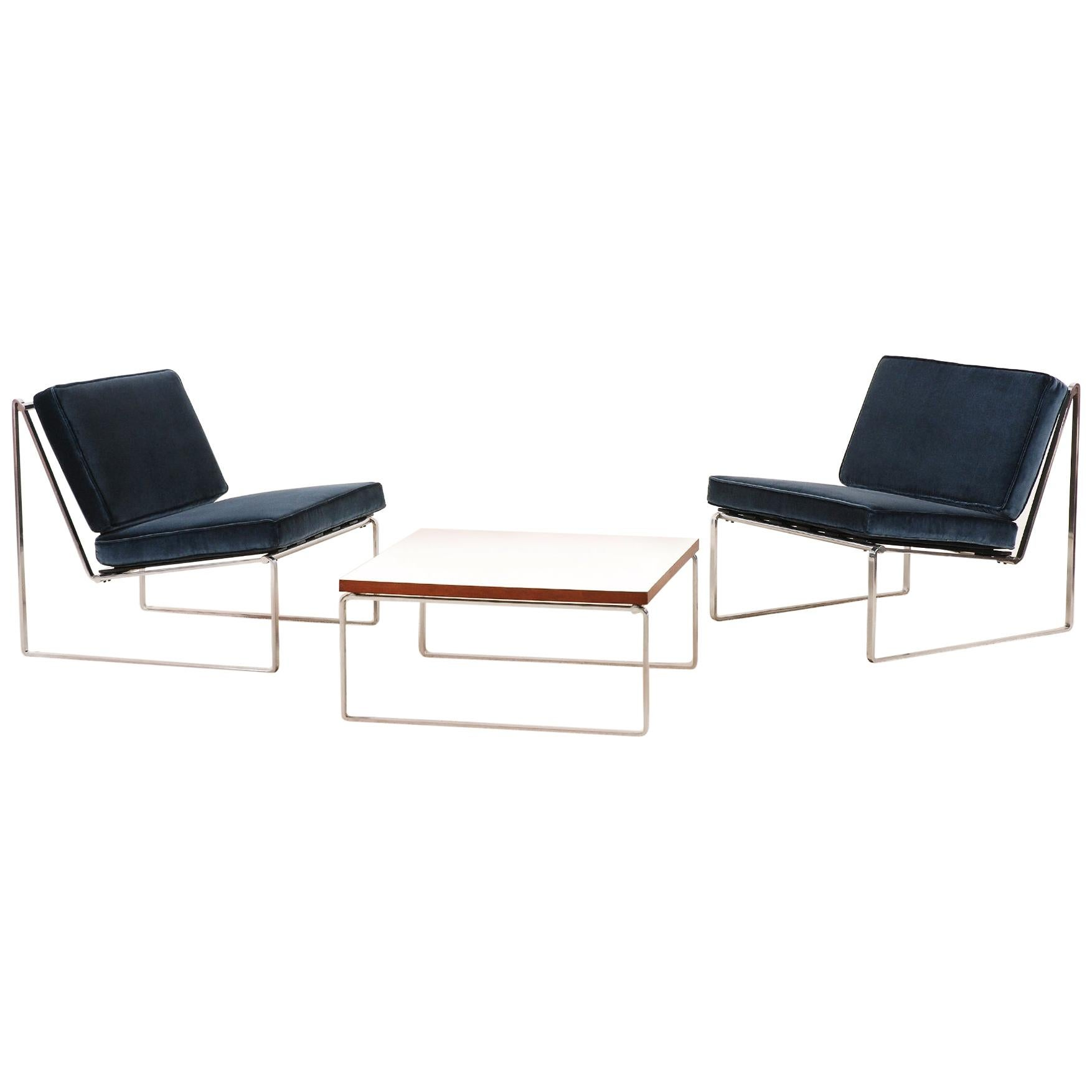 """Set of """"024"""" Lounge Chairs and """"869"""" Coffee Table by Kho Liang Ie for Artifort"""