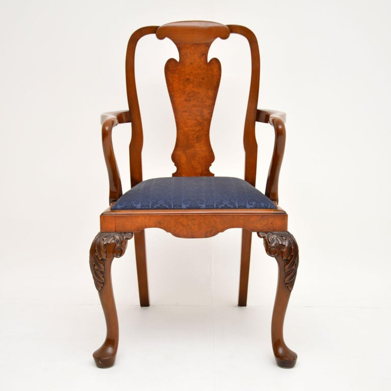 Set of 10 Antique Queen Anne Style Burr Walnut Dining Chairs In Good Condition For Sale In London, GB