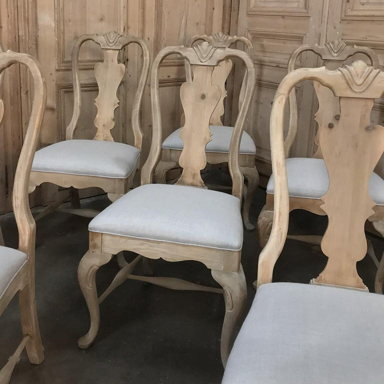 Set of 10 Antique Swedish Stripped Dining Chairs In Good Condition For Sale In Dallas, TX