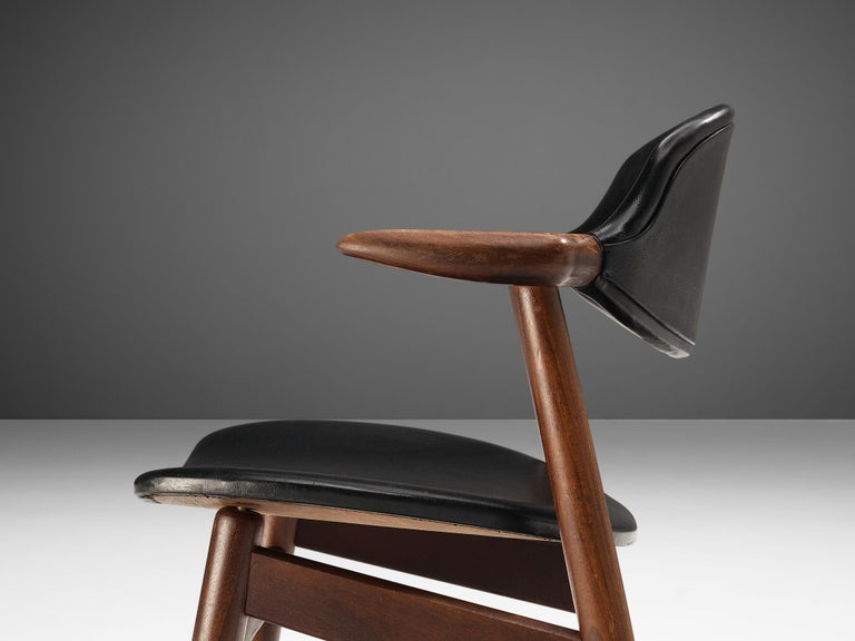 Set of 10 'Bullhorn' Dining Chairs in Teak and Faux Leather In Good Condition For Sale In Waalwijk, NL
