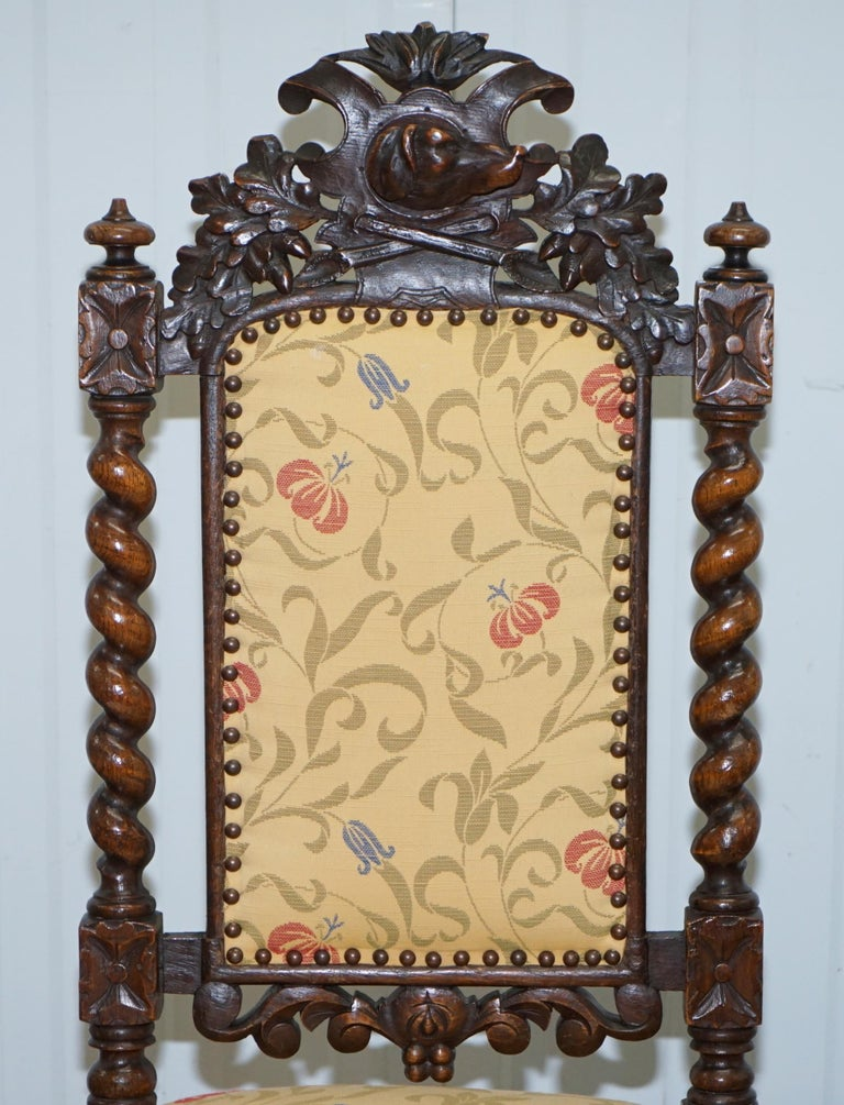 Set of 10, circa 1800 Oak Jacobean Style Dining Chairs with Dog Head Cresting In Good Condition For Sale In London, GB